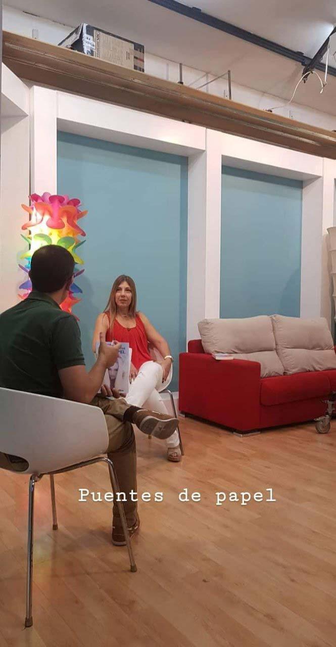 Entrevista-en-PTV-presentación-de-Puentes-de-papel-a-cargo-de-Diego-Banderas