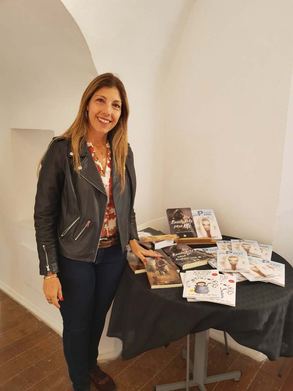 Presentacion-Puentes-de-papel-feria-del-libro-Pto.-Sta-Maria-Cadiz